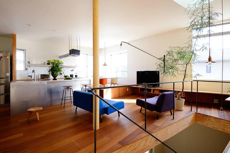 modern Living room by アーキライン一級建築士事務所