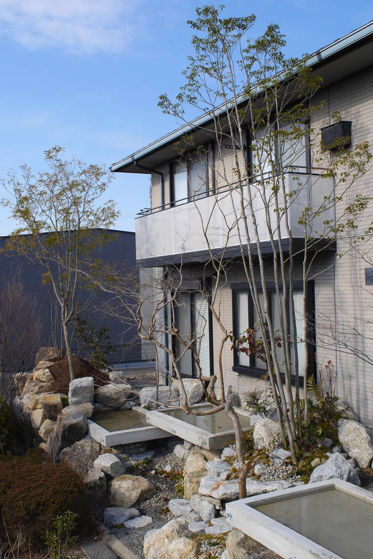 うつくしこむ庭 - 写真07: 平山庭店が手掛けた庭です。