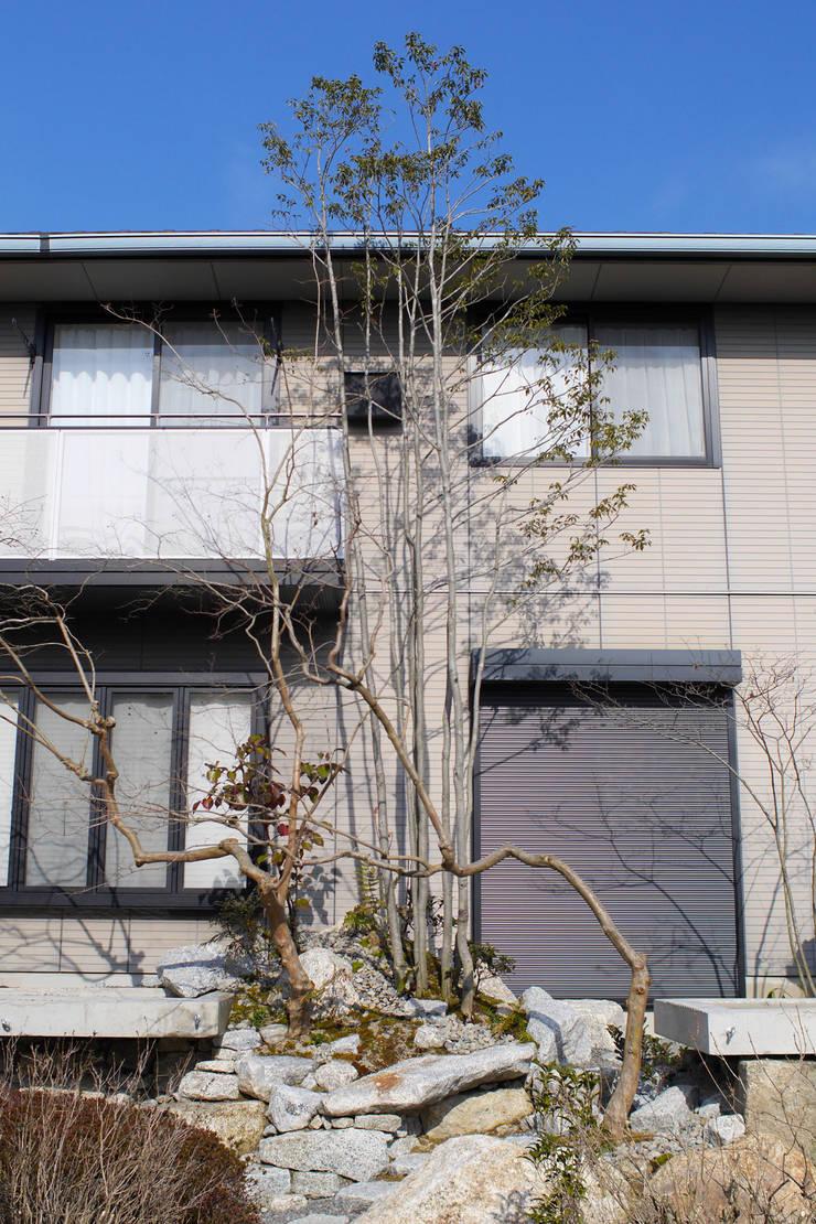うつくしこむ庭 - 写真09: 平山庭店が手掛けた庭です。