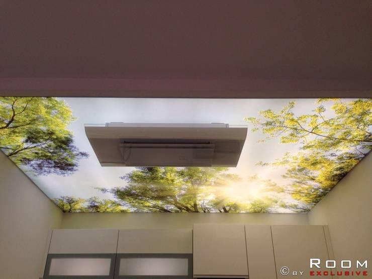 Lichtdecke für wundervolles Wohlambiente:  Küche von ROOM EXCLUSIVE GmbH