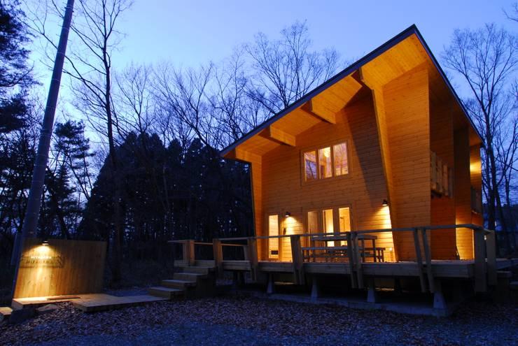 宮川邸: ミズタニ デザイン スタジオが手掛けた家です。,