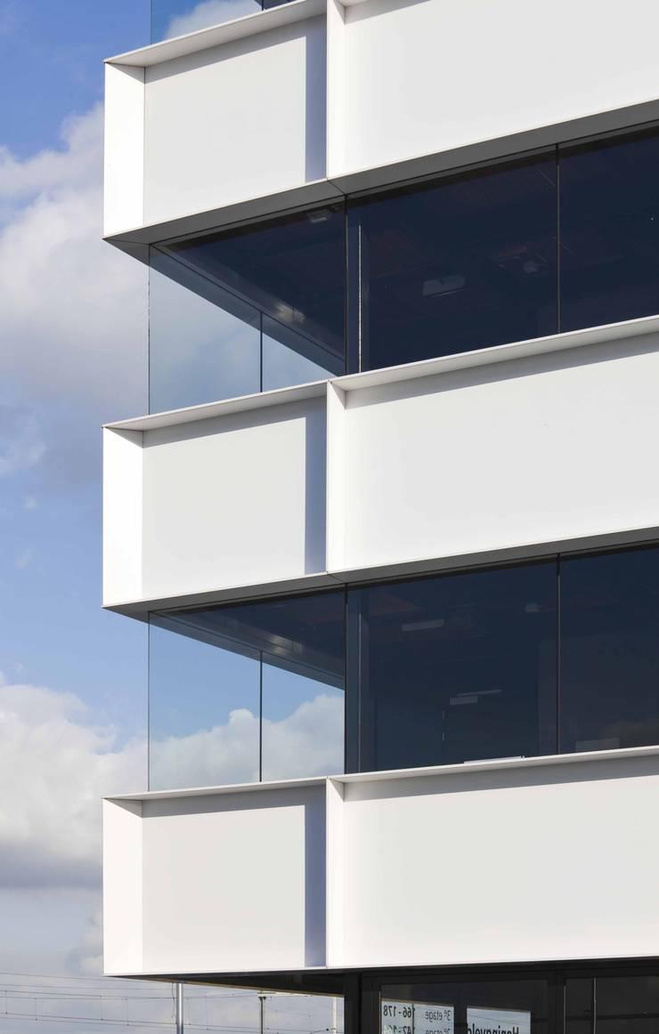 Terrasse von JMW architecten, Minimalistisch Aluminium/Zink
