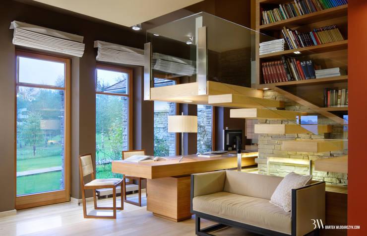 Oficinas y bibliotecas de estilo moderno de Bartek Włodarczyk Architekt Moderno