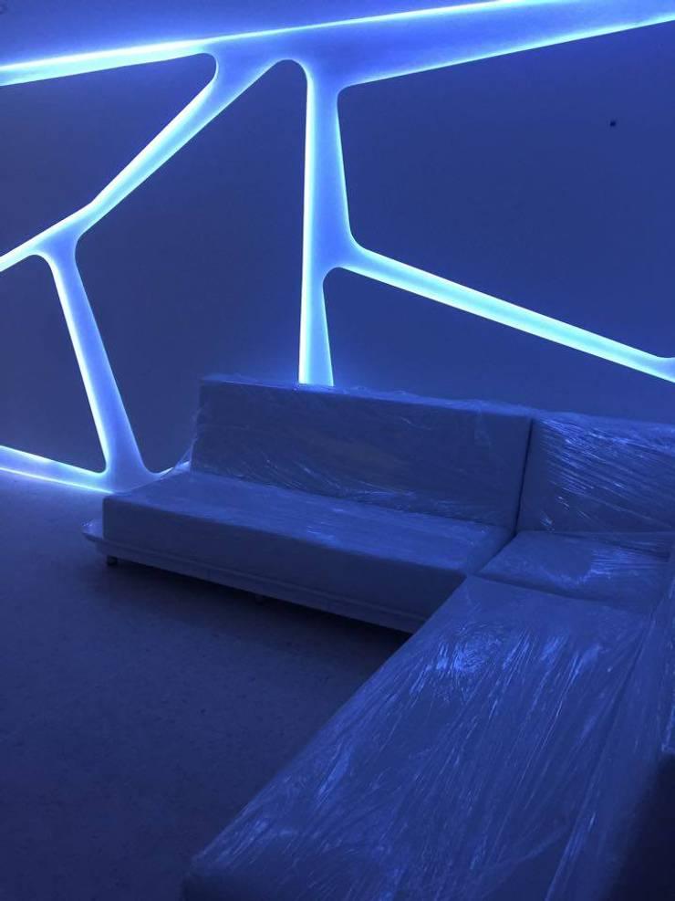 Interiorismo futurista : Arte de estilo  por Felipe Lara &  Cía