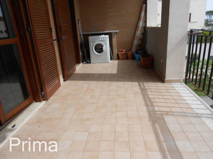 PRIMA terrazzo:  in stile  di StageRô by Roberta Anfora - Home Staging & Photography