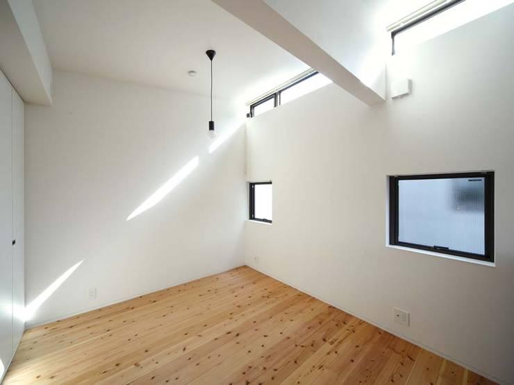 子供部屋: 6th studio / 一級建築士事務所 スタジオロクが手掛けた子供部屋です。