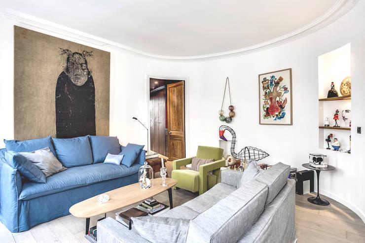 Salas / recibidores de estilo  por cristina velani