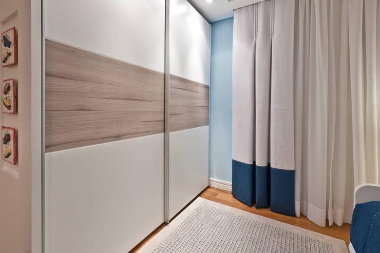 โดย Heller Arquitetura e Interiores โมเดิร์น