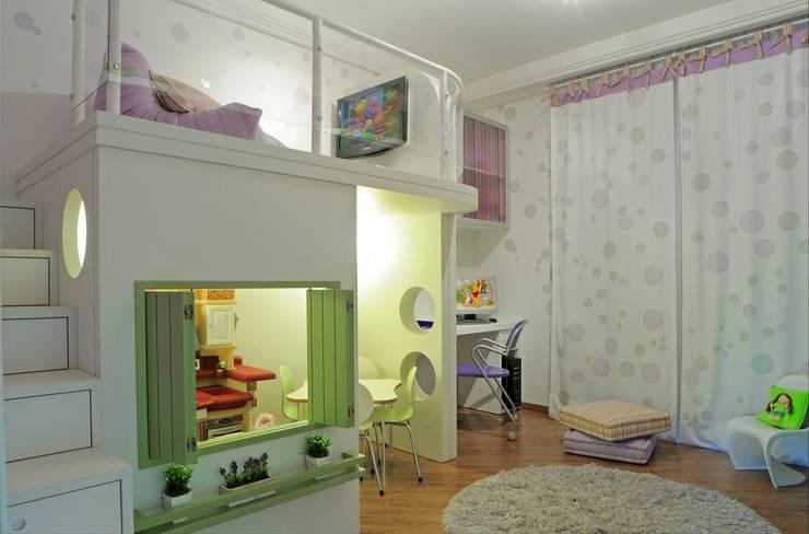 Brinquedoteca: Quarto infantil  por Heller Arquitetura e Interiores