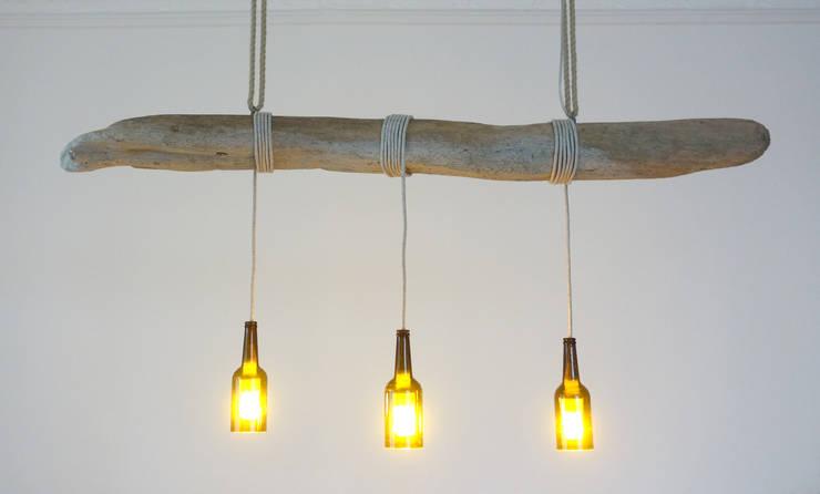 Salas de estilo rural por Meister Lampe