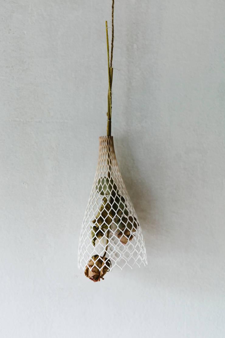 tint: SHINYA YOSHIDA DESIGNが手掛けたリビングルームです。
