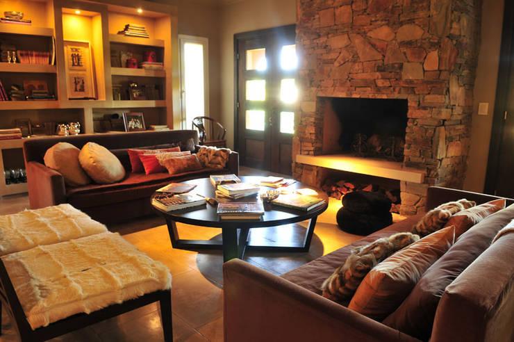modern Living room by Estudio Moron Saad