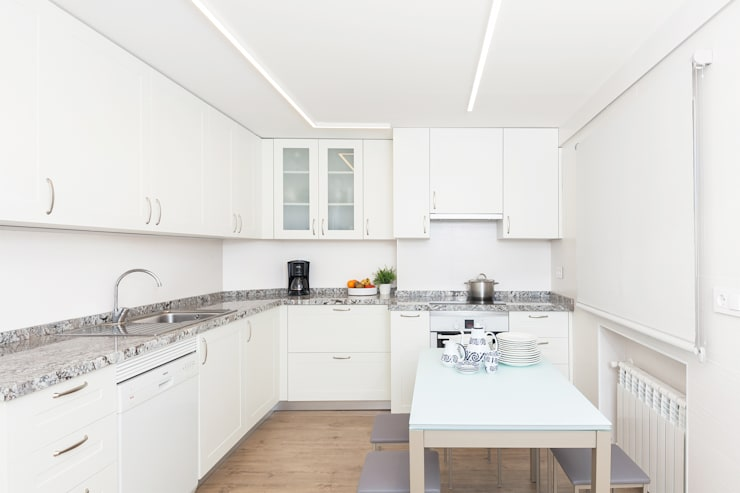 Cucina in stile in stile Classico di itta estudio