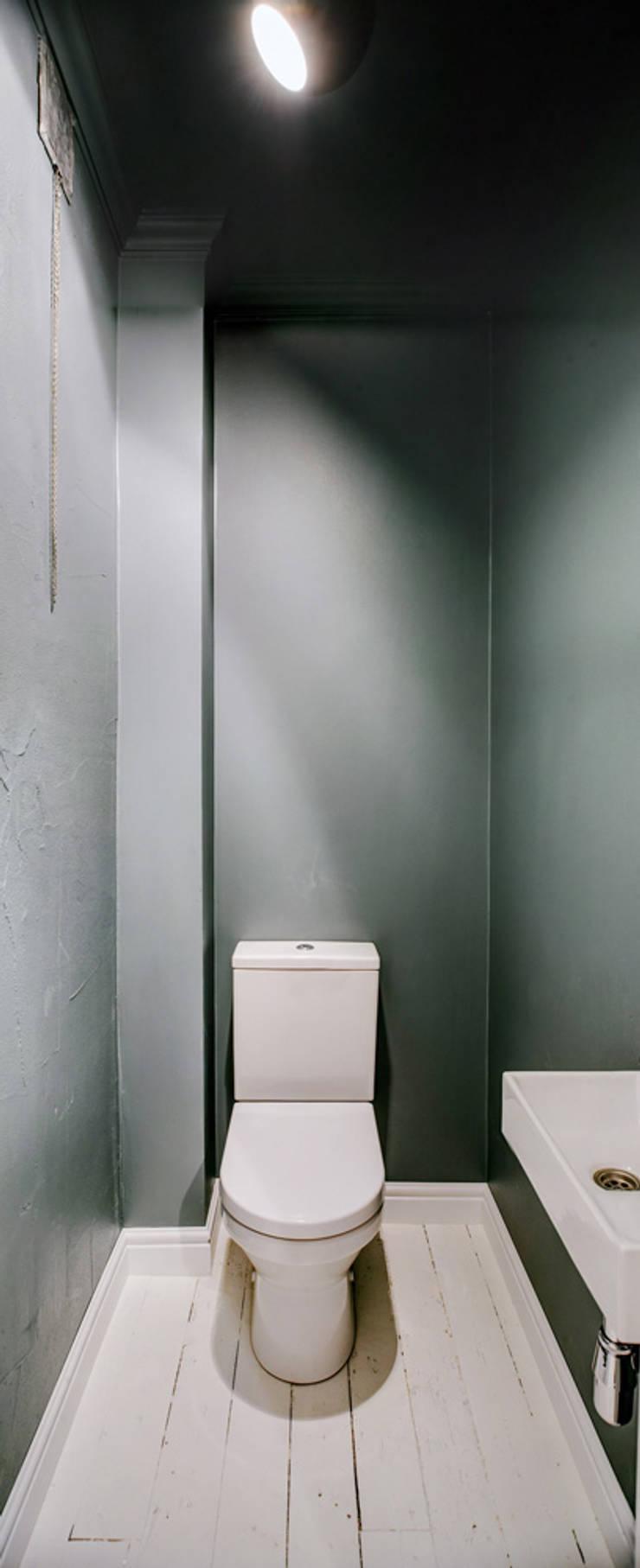 Ванные комнаты в . Автор – Baltic Design Shop, Скандинавский Дерево Эффект древесины