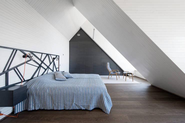 Baltic Design Shop: minimal tarz tarz Yatak Odası