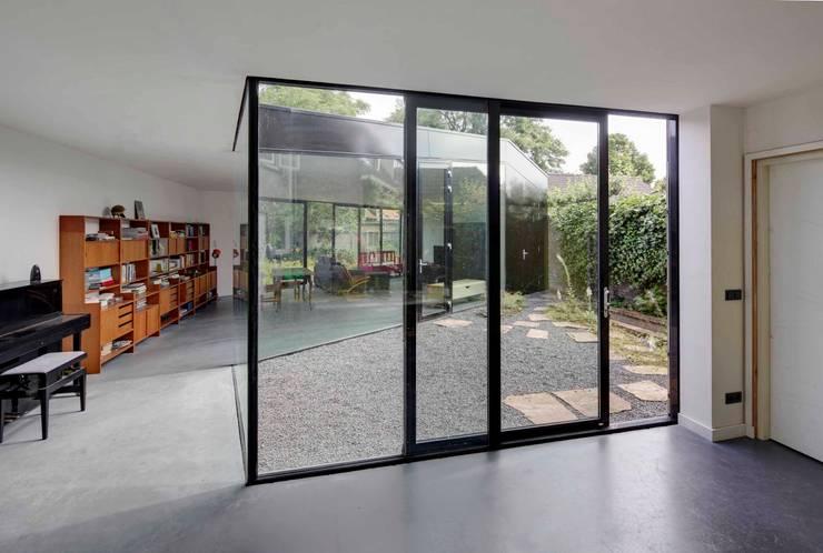 JMW architecten의  창문