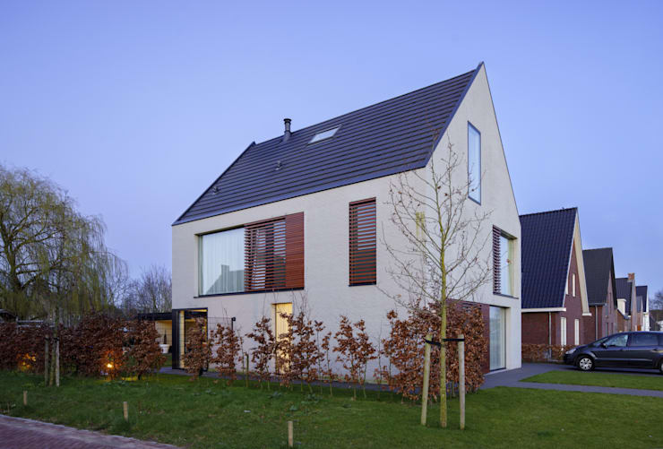 vrijstaand woonhuis particulier: moderne Huizen door JMW architecten