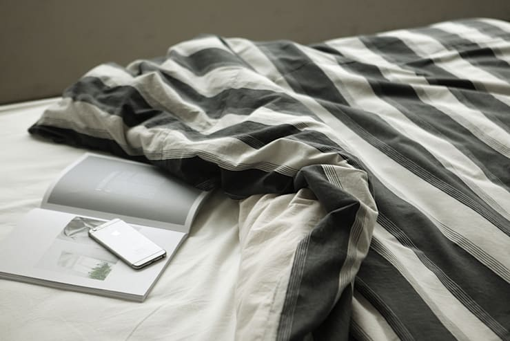 Bedding set (cotton) 15 Day and night: (주)이투컬렉션의 현대 ,모던