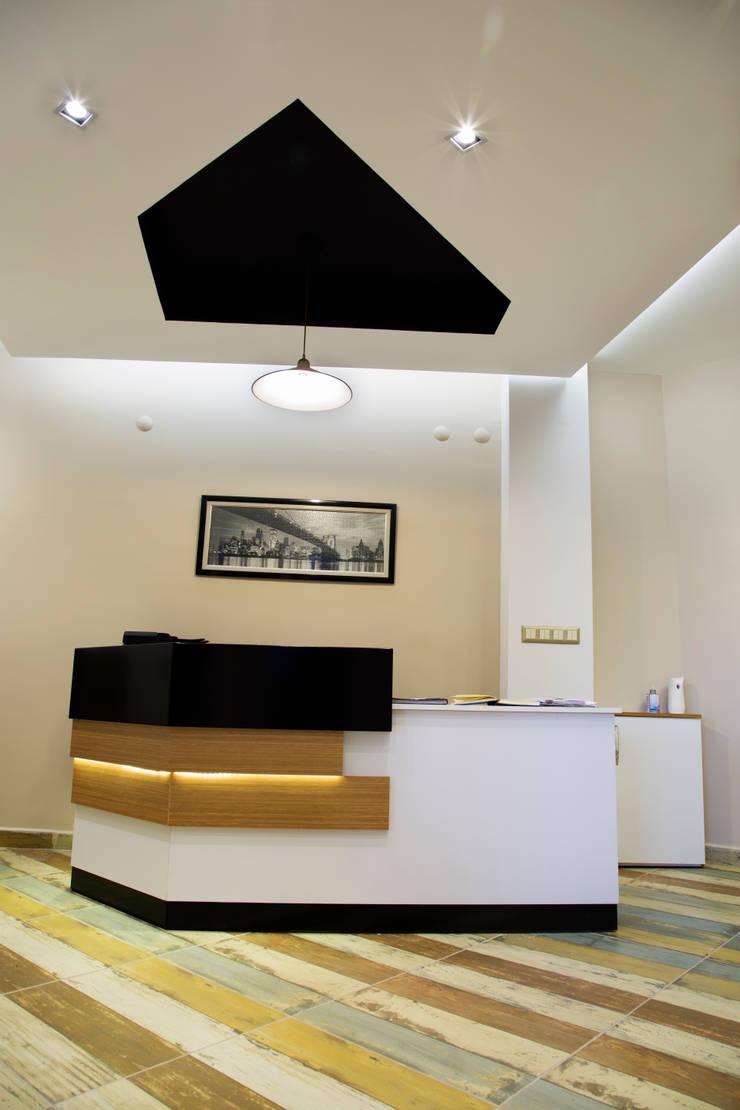 Mozeta Mimarlık – Sekreter Banko:  tarz , Eklektik Ahşap Ahşap rengi