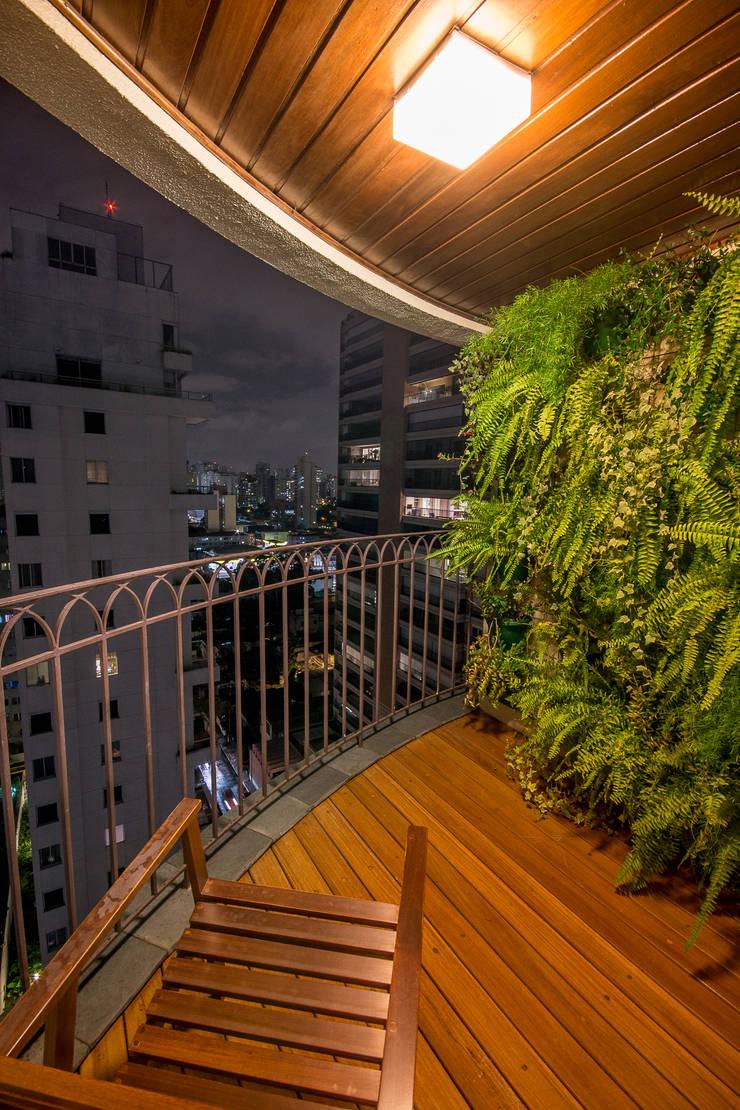 Apartamento Leopoldo: Terraços  por Sacada,Moderno