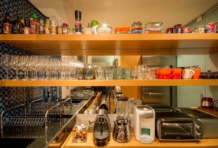 Apartamento Leopoldo: Cozinhas  por Sacada