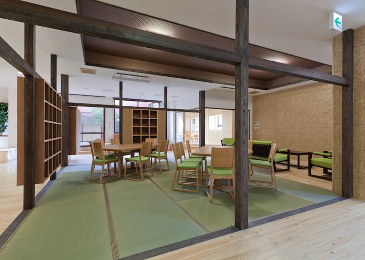 デイルーム: 宮田建築設計室が手掛けた医療機関です。,