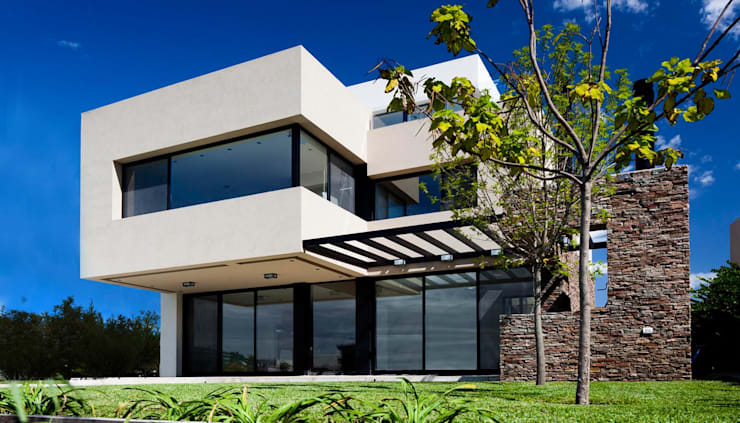 Casas de estilo moderno por Speziale Linares arquitectos