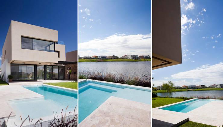 Jardines de estilo  por Speziale Linares arquitectos