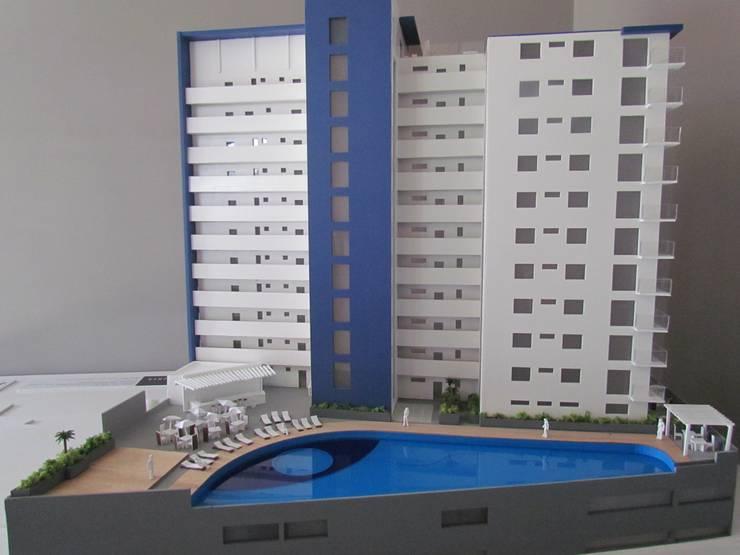 Fachada posterior:  de estilo  por Constructora e Inmobiliaria Catarsis