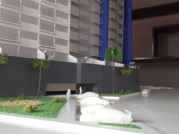 Acceso principal:  de estilo  por Constructora e Inmobiliaria Catarsis
