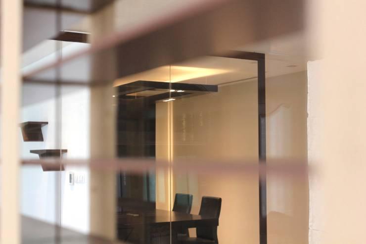 Desde la oficina: Estudios y oficinas de estilo  por LC Arquitectura
