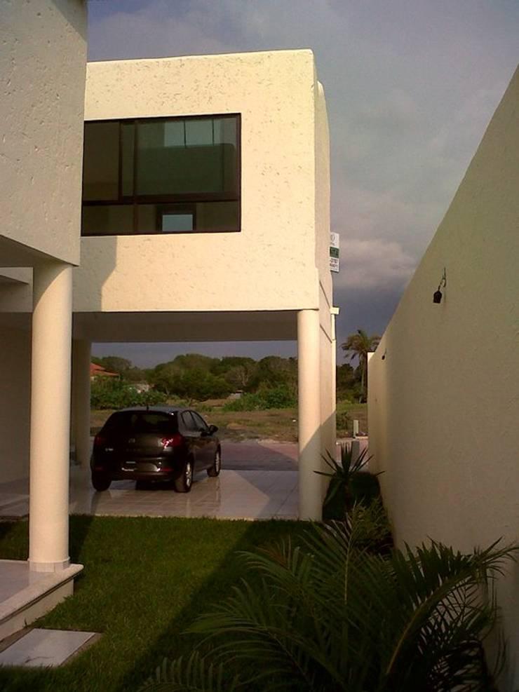 Casa Privada 21: Casas de estilo  por Constructora e Inmobiliaria Catarsis