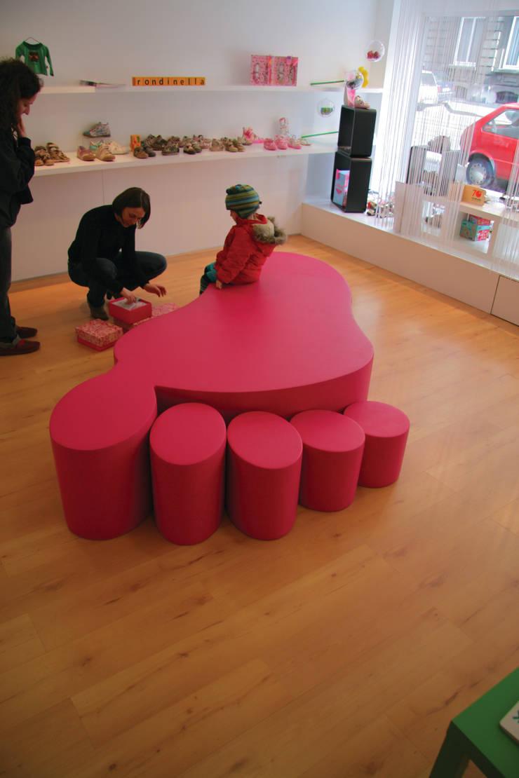 Bubbles: sixinch JAPANが手掛けたオフィス&店です。