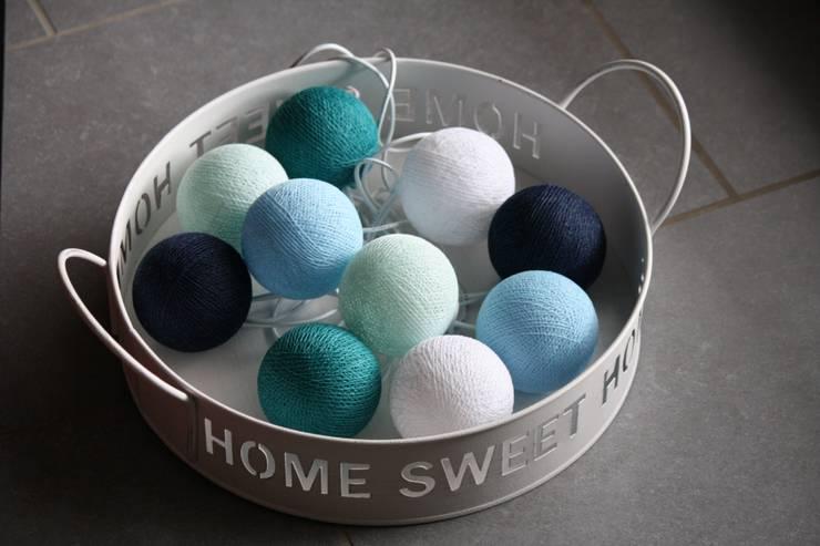 10-er Cotton Balls Lichterkette: Karibik 2: moderne Wohnzimmer von Stöberland