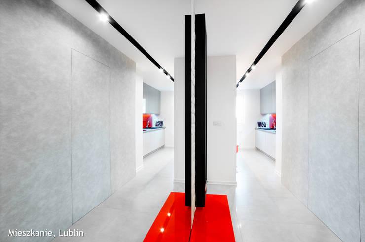 Mieszkanie Lublin: styl , w kategorii Korytarz, przedpokój zaprojektowany przez Auraprojekt