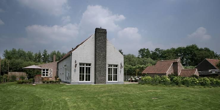 Vdm M:  Huizen door Rove