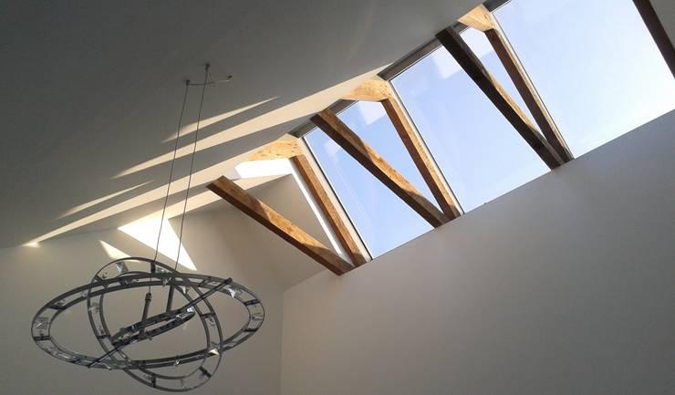 Spelend licht – verbouw woonhuis Silvolde:  Keuken door Dick van Aken Architectuur