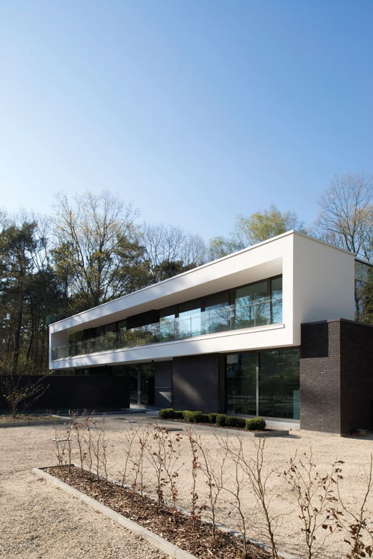 Project De Plankerij voor Summum - Interiors (http://www.summum-interiors.com):  Huizen door De Plankerij BVBA, Modern