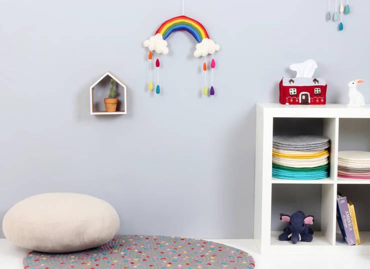Rainbow Mobile: bunt의  아이 방