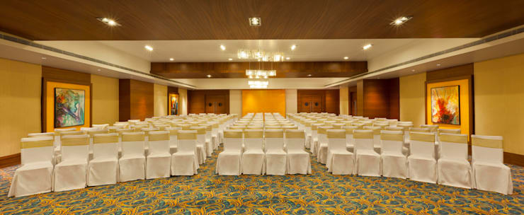 Hotels & Resorts:  Media room by Prabu Shankar Photography
