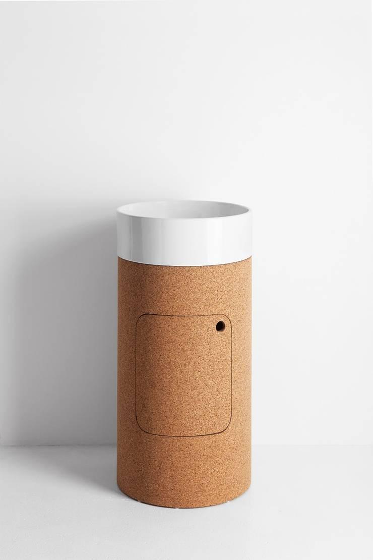 Round com coluna: Casa de banho  por Melissa vilar
