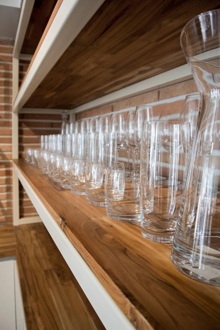 Detalle Cava: Cocinas de estilo  por KDF Arquitectura, Moderno