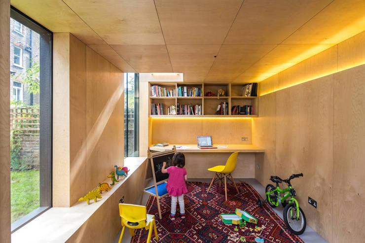 غرفة الاطفال تنفيذ Neil Dusheiko Architects