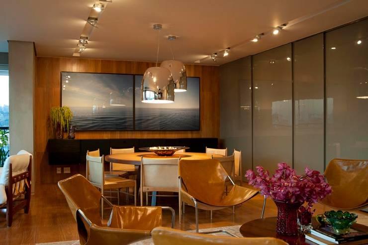Apartamento Santo Agostinho: Sala de estar  por NB Projetos