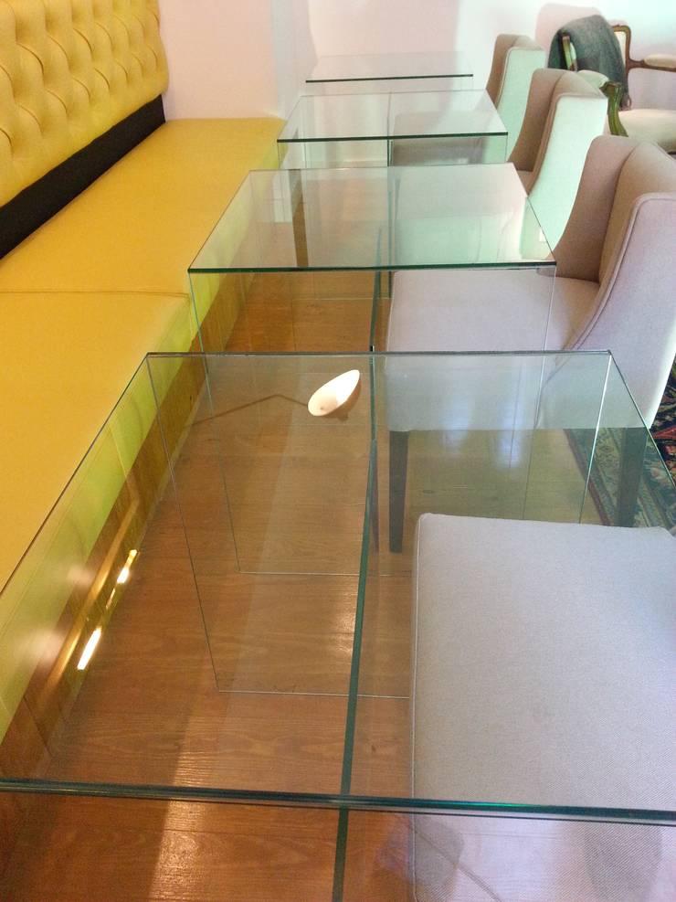 Mobiliário em vidro: Sala de jantar  por Autovidreira