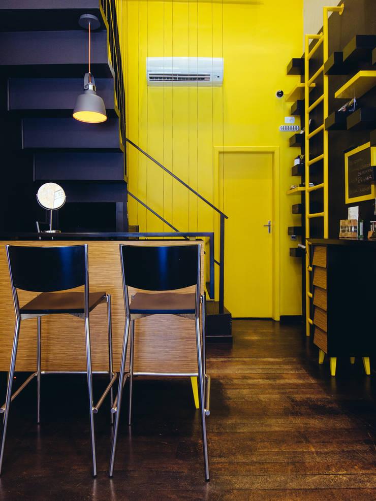 Eric Gozlan Lunettes: Espaços comerciais  por iS arquitetura,