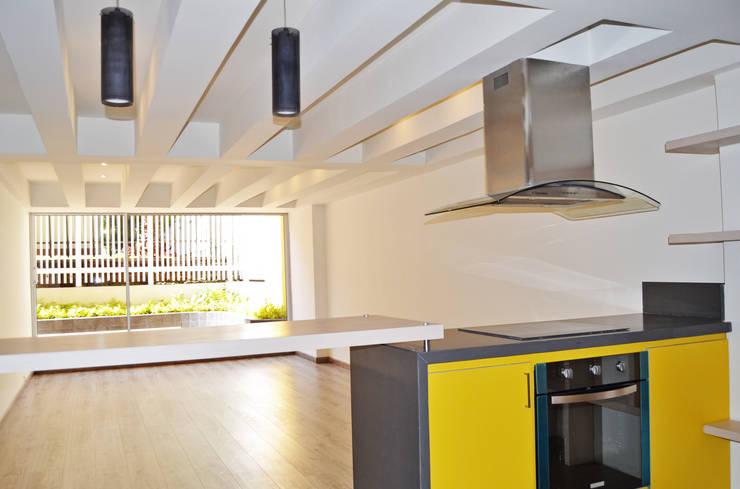 APARTAMENTO 62: Salas de estilo  por santiago dussan architecture & Interior design