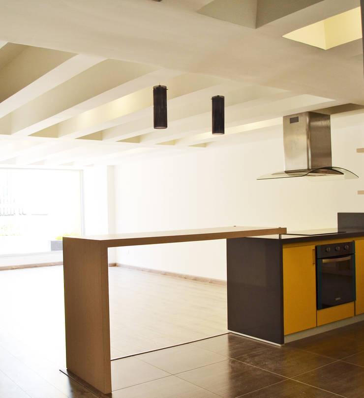 APARTAMENTO 62: Comedores de estilo  por santiago dussan architecture & Interior design