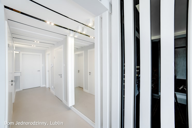 dom ul.Goplan Lublin: styl , w kategorii Korytarz, przedpokój zaprojektowany przez Auraprojekt