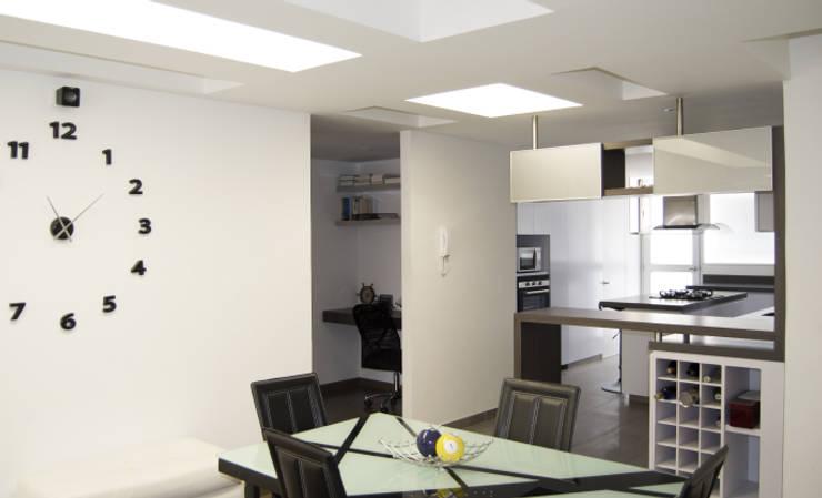 APARTAMENTO NOVARK: Comedores de estilo  por santiago dussan architecture & Interior design